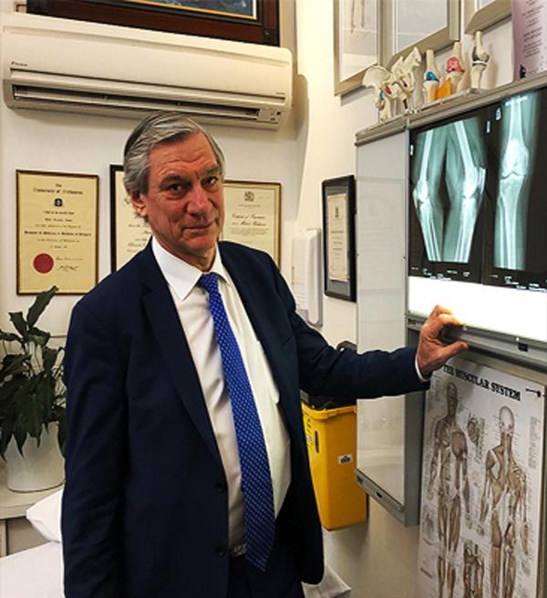 David Young honoured by Sri Lankan President