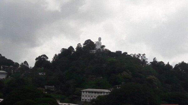 Bahirawa Kanda Vihara Buddha Statue in Kandy